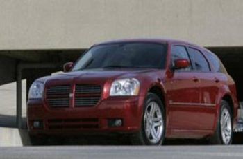2005 Dodge Magnum R/T Owners Manual
