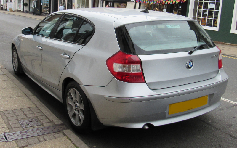 2010 BMW 1 Series Owners Manual