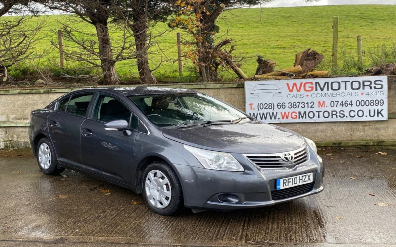2010 Toyota Avensis Owners Manual