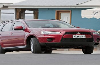 2011 Mitsubishi Outlander Owners Manual