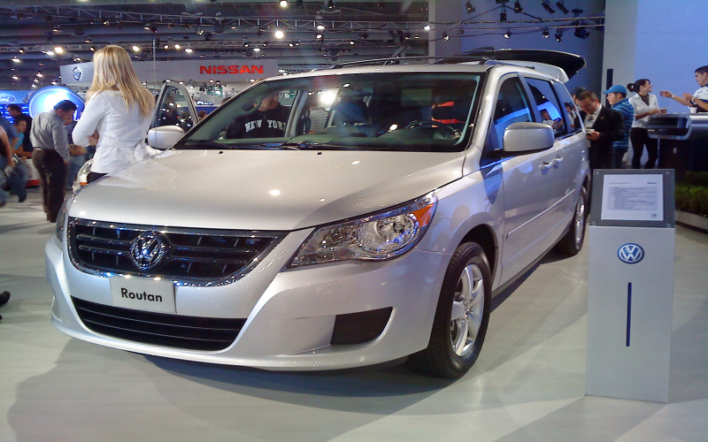 2012 VW Routan Owners Manual
