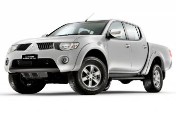 2015 Mitsubishi Triton Owners Manual