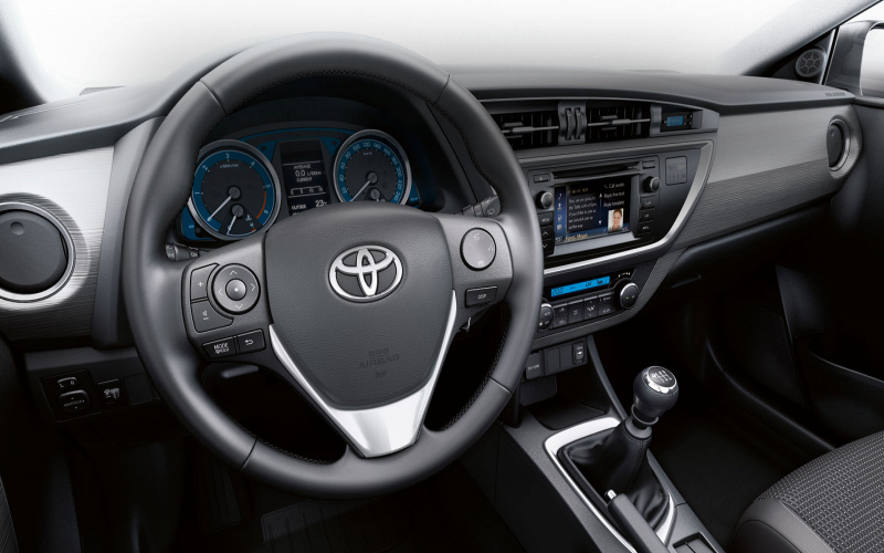 2016 Toyota Avensis Owners Manual