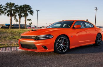 2017 Dodge Charger SXT Owners Manual
