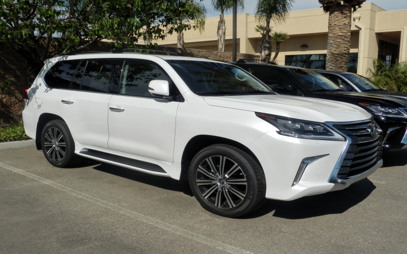 2019 Lexus LX 570 Owners Manual